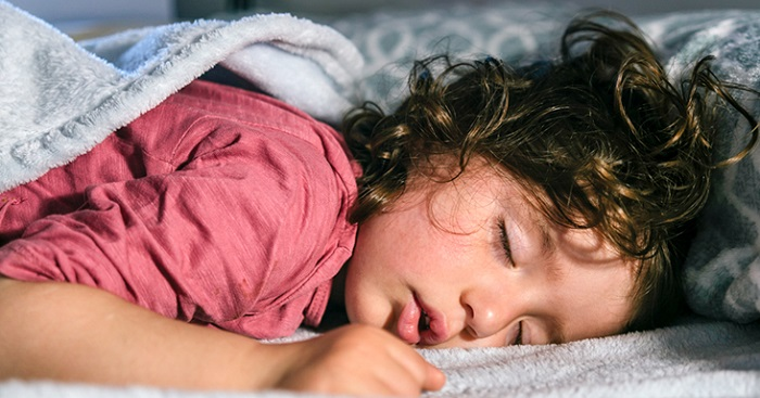 Es mejor para el cuello y la columna dormir con o sin almohada